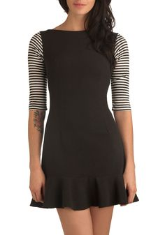 BOUGHT IT - Champ de Mars Dress. Let this tres chic charmer delight your style sensibilities as you stroll through the lush fields of a verdant urban park. Cute Dresses, Vintage Dresses, Casual Dresses, Vintage Outfits, Fashion Dresses, Vintage Clothing, Pretty Outfits, Cool Outfits, Indie Outfits