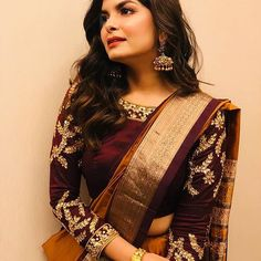 20 Ways to Style Your Sarees with Full Sleeves Blouse New Blouse Designs, Silk Saree Blouse Designs, Bridal Blouse Designs, Blouse Patterns, Kurta Designs, Saree Styles, Blouse Styles, Indian Sarees, Silk Sarees