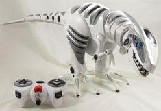 Found on EstateSales.NET: WowWee Robotics RoboRaptor 2005 with User Manual and Remote Control