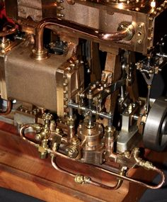Triple expansion engine Stirling Engine, Steampunk Airship, Small Engine, Steam Engine, Pretty Cool, Motor Car, The Expanse, Diesel, Engineering