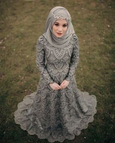 Fancy Hijab Accessories Fashion for Formal Function – Girls Hijab Style & Hijab Fashion Ideas Muslim Wedding Gown, Muslimah Wedding Dress, Hijab Style Dress, Muslim Wedding Dresses, Pakistani Bridal Dresses, Muslim Dress, Beautiful Prom Dresses, Beautiful Hijab, Bridal Hijab Styles