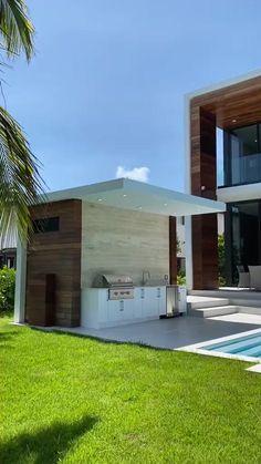 Modern Exterior House Designs, Dream House Exterior, Modern Architecture House, Modern House Design, Exterior Design, Architecture Design, Luxury Homes Dream Houses, Villa Design, Dream Home Design