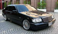 I want all 3 of these cars in the next few series! This is the Mercedes S Class Jason Statham drove in Transporter Mercedes W140, Mercedes Benz Maybach, Mercedes Benz S, Mercedes S Class, Classic Mercedes, Benz Car, Benz S500, Merc Benz, Bmw Sport