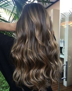20 Natural-Looking Brunette Balayage Styles – Balayage Haare Copper Balayage, Balayage Ombré, Brown Hair Balayage, Hair Color Balayage, Balayage Brunette Long, Bayalage, Brown Hair With Blonde Highlights, Hair Highlights, Light Highlights