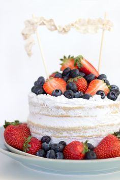Vegan Vanilla Naked Cake with Berries   Coconut frosting   4th of July   Dear Kitchen   #vegan #cake #frosting