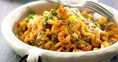 Pasta med rejer, dild og citron er en lækker og hurtig ret med indbydende smagstoner. Lækre rejer, syrlig citronsaft, velsmagende ærter og frisk dild smager himmelsk sammen.