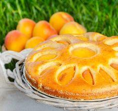 Jogurtov kolač s kokosom in marelicami Camembert Cheese, Cantaloupe, Deserts, Food And Drink, Dairy, Cooking Recipes, Fruit, Portal, Drinking