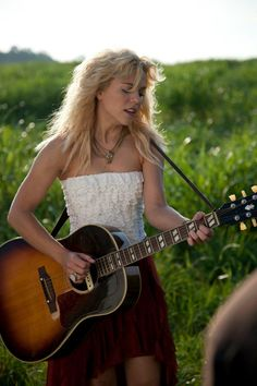 "LOVE her voice ! i love their hit, ""if I die young"" The band Perry. Country Song Quotes, Country Music Lyrics, Country Music Videos, If I Die Young, Luke Bryan Quotes, Fake Smile Quotes, The Band Perry, Country Girl Problems, Zac Brown Band"