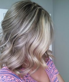 Thick medium blonde lowlights mixed with blonde highlights. Ash blonde. Fall hair. Balayage