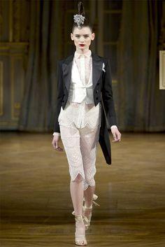 Sfilata Alexis Mabille Paris - Alta Moda Autunno-Inverno 2012-13 - Vogue