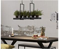 Fiffig LED-hengelampe Tray i svart Long Shelf, Led Lampe, Floating Shelves, Living Spaces, Modern Design, Tray, Chandelier, Ceiling Lights, Candles