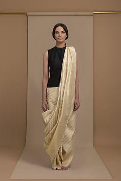 House of Raisons Weaves and Textiles Look Book Ethnic Fashion, Hijab Fashion, Indian Fashion, Fashion Outfits, Pakistani Outfits, Indian Outfits, Indian Ethnic Wear, Ethnic Suit, Elegant Saree