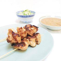 Kipsaté maken - het lekkerst met kippendijen made by ellen recept Bbq, Food And Drink, Turkey, Low Carb, Chicken, Meat, Dinner, Recipes, Seeds
