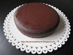 Sacher Torte - senz'uova e burro (provata! 10/10 bastano 150g di zucchero - la glassa l'ho sostituita con cioccolato fondente e panna)