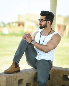 Hair and beard styles - New Training Hair style Amazing Pic collection 2 Beard Styles For Men, Hair And Beard Styles, Hair Styles, Black Outfit Men, Gents Hair Style, Indian Men Fashion, Men's Fashion, Beard Look, Designer Suits For Men