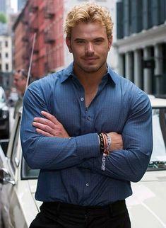 Beautiful Men Faces, Gorgeous Men, Sarah Shahi, Kellan Lutz, Elizabeth Gillies, Taylor Lautner, Joe Jonas, Sexy Shirts, Attractive Men