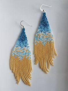 beaded earrings making Beaded Earrings Native, Beaded Earrings Patterns, Beading Patterns, Bracelet Patterns, Beaded Necklace, Seed Bead Jewelry, Seed Bead Earrings, Hoop Earrings, Fringe Earrings
