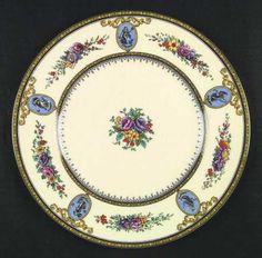 wedgwood_sheerness_dinner_plate_P0000114341S0001T2.jpg (457×450)