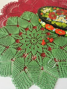 Create your own cosy atmosphere! Create Yourself, Create Your Own, Eco Friendly House, Doilies, Cosy, Decorations, Blanket, Crochet, Home Decor