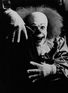 Movies — Stephen King's It 90s Movies, Scary Movies, Arte Horror, Horror Art, Carrie White, Pennywise The Dancing Clown, Creepy Clown, Creepy Circus, King Book