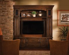 Traditional Living Room Entertainment Center Design, Pictures, Remodel, Decor and Ideas – page 3 Wall Mounted Entertainment Unit, Living Room Entertainment Center, Entertainment Center Makeover, Entertainment Center Decor, Pottery Barn, Tv Decor, Home Decor, Decor Ideas, Hemnes