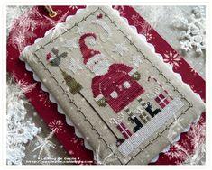Ma petite déco de Noël - Le Blog de Cécile Cross Stitch Finishing, Christmas Cross, Pin Cushions, Pillows, Xmas Cards, Christmas Tree Ornaments, Cross Stitch Embroidery, Decoration, Needlework