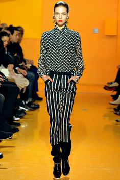 Kenzo Fall 2012 Ready-to-Wear Fashion Show - Amanda Nimmo (ELITE)