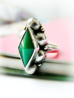 Sterling Silver Vintage Ring / Green Diamond Shape Mexico
