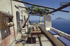 una casa magica a picco sul mare... in Lipari