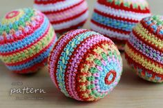 crochet pattern - colorful mosaic Christmas ball