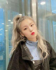 Photo album containing 3 pictures of Yeji Kpop Girl Groups, Korean Girl Groups, Kpop Girls, Afro, New Girl, South Korean Girls, Cool Girl, Idol, Female