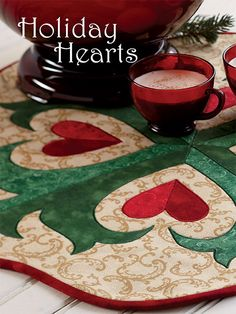 Fon's and Porter's - Holiday Hearts Appliqué Table Topper Quilt Kit