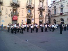 La banda di Caltagirone suona in Piazza del Municipio per la Festa di San Giacomo 2012
