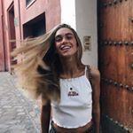 """Gefällt 7,765 Mal, 14 Kommentare - Carlota Weber Mazuecos (@carlotaweberm) auf Instagram: """"find a  beautiful place  and get lost. @verbier 🇨🇭💫"""""""