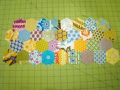 SewCraftyJess: Accuquilt GO! Hexagons: Placemat Tutorial