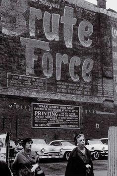 New York , 1959 Carlos Afonso Dias Prova fotográfica em gelatina sal de prata (cloro brometo) 20 × 30cm Inv. 2916; Adquirido pelo Estado ao artista em 2006.