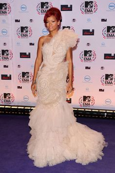 Rihanna   MTV Europe Music Awards 2010  Marchesa