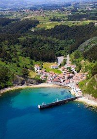Tazones_asturias Beautiful Sites, Beautiful Places To Visit, Places To Travel, Places To Go, Asturias Spain, Beach Vibes, Road Trip, Spain And Portugal, Spain Travel