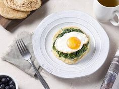 Breakfast recipes - Grain Free Flatbread with Creamed Spinach and Fried Egg