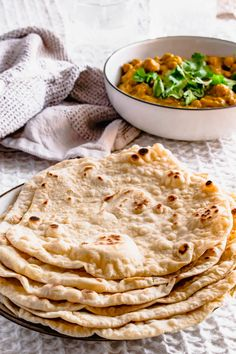 These delicous flatbreads are soft, fluffy and full of delicious bubbles. Made easily with just self rasing flour, oil and water. Easy Baking Recipes, Wrap Recipes, Side Dish Recipes, Indian Food Recipes, Cooking Recipes, Healthy Recipes, Healthy Food, Easy Soft Flatbread Recipe, Rice Side Dishes