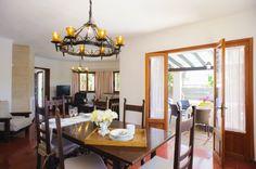 villa-vica-dining room