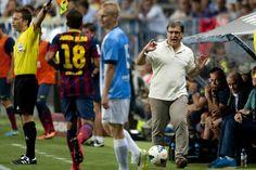 El Tata da instrucciones a Alba. | Málaga 0-1 FC Barcelona- [25.08.13]