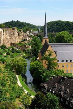 Luxembourg was just lovely. It is a very interesting city and has a tunnel system surrounding the city for many kilometers. It's a real mix of ancient, old and modern architecture and it was lovely to see young kids playing on swings in the shadow of ancient buildings. Lots of green areas and trees, too.