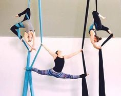 Goal to learn how to do high flying acrobatics Aerial Hammock, Aerial Hoop, Aerial Arts, Aerial Acrobatics, Aerial Dance, Aerial Silks, Pole Dance, Cheer Dance, Silk Dancing