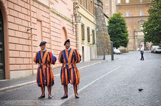 Swiss Guard at the Vatican Swiss Guard, Turin, Cheap Travel, Travelling, Europe, Saints, Medical, Key, Cover