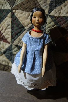 Beautiful carved wood Hitty doll 16 cm(6.3). eBay auction ended March 5, 2017 at $205.27
