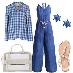 Comodo outfit da tutti i giorni composto da una tuta in jeans leggero, impreziosita da dettagli in corda nelle spalline e nella cintura e da una giacca a quadri con tre bottoni sul bianco ed azzurro. La borsa ed i sandali richiamano l'elemento corda della tuta e sono in un colore neutro mentre gli orecchini richiamano il colore azzurro.