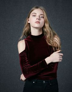High neck velvet top - Tops & Bodies - Bershka United Arab Emirates