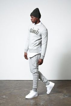 crew-neck-sweater-long-sleeve-shirt-sweatpants-low-top-sneakers-beanie-large-11876.jpg (325×487)
