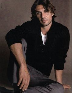 Paolo Maldini, Handsome, Football, Sports, Outfits, Fictional Characters, Amor, Soccer, Hs Sports